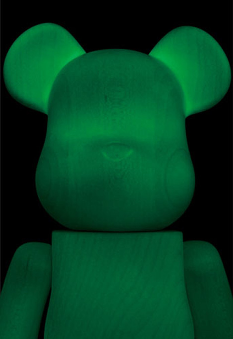 Bearbrick-glow-in-the-dark-2